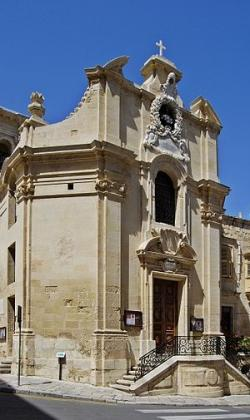 350px-our-lady-of-victories-church-valletta-2009.jpg