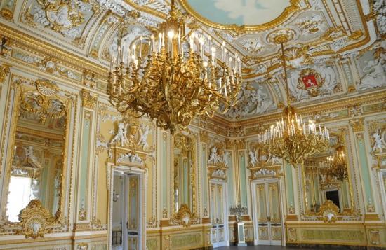 golden-room-in-palazzo-parisio.jpg