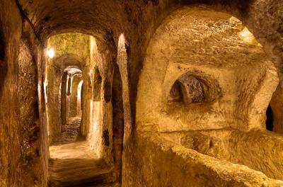 st-pauls-catacombs.jpg